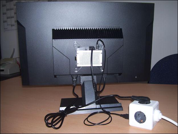 Monitor mit VESA Halterung